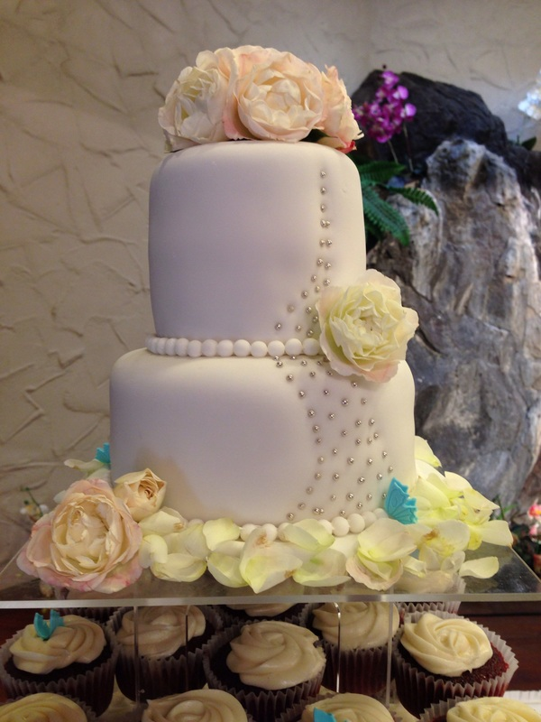 ... 2012 Photo Album - Wedding Cakes, Custom Cakes & CupcakesOahu , Hawaii
